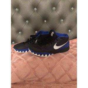 Nike Kyrie Sneakers